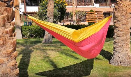 Travel hammock for more easier journey