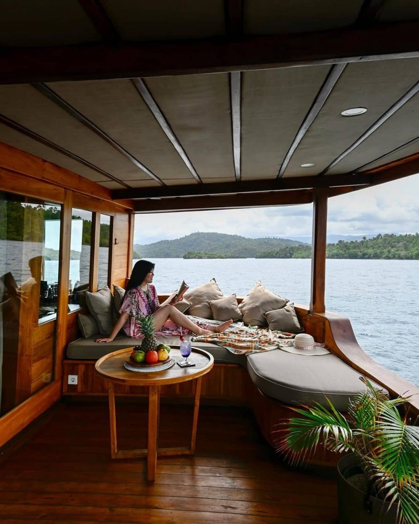A Retreat to Lost World with Komodo Cruises Labuan Bajo