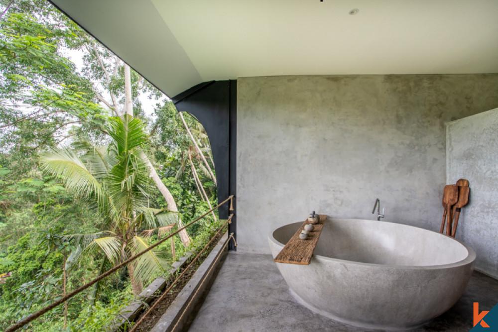 Sound Sleep in Jungle-front Master Bedroom